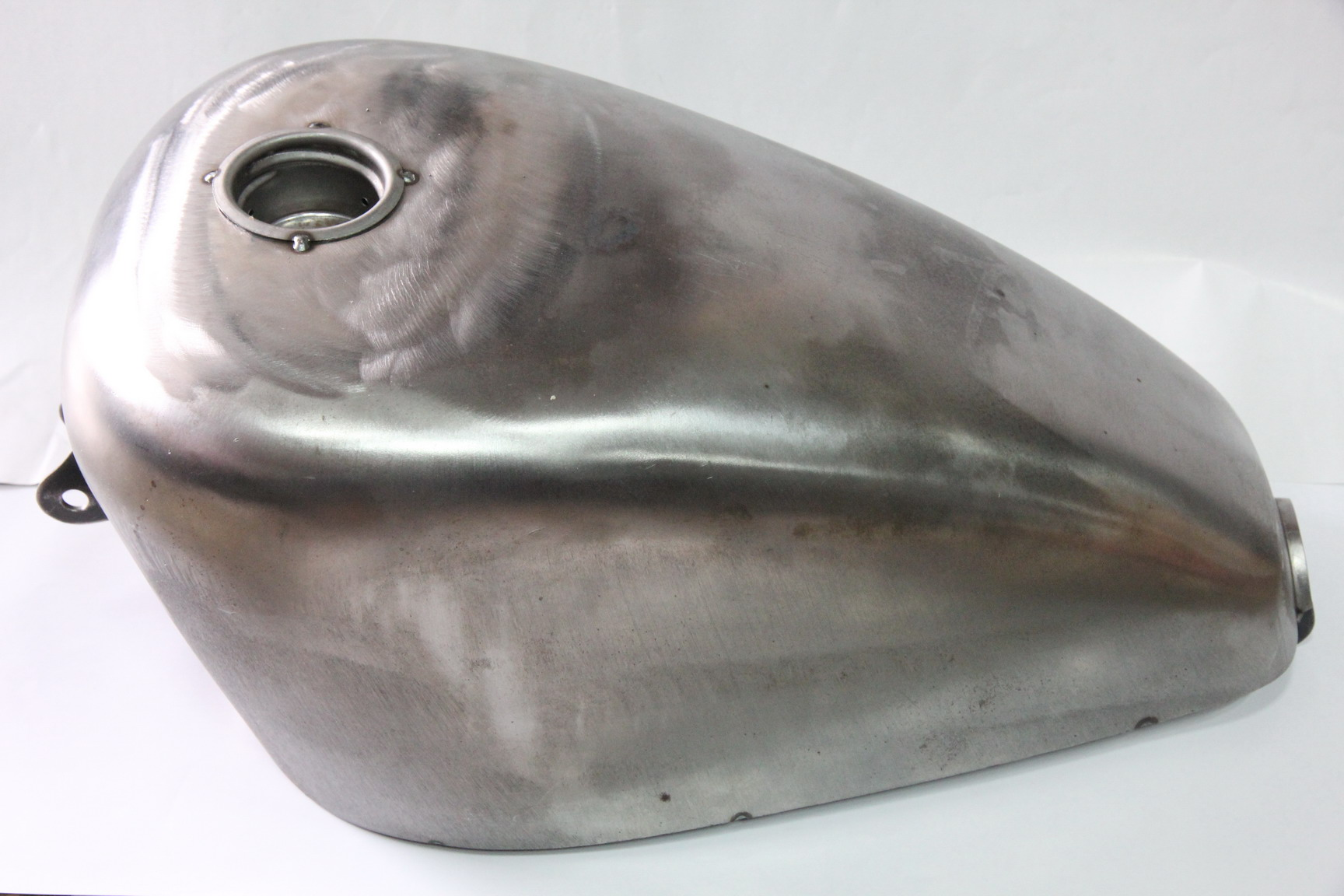 V-Twin 38-0021 - Chopper Style 2.5 Gallon Gas Tank